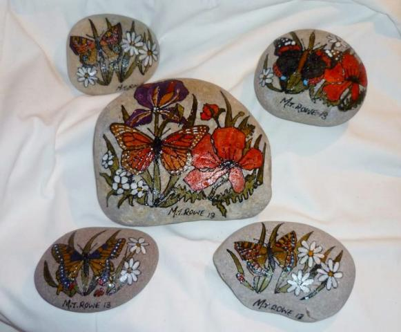 hand_painted_pebbles.JPG